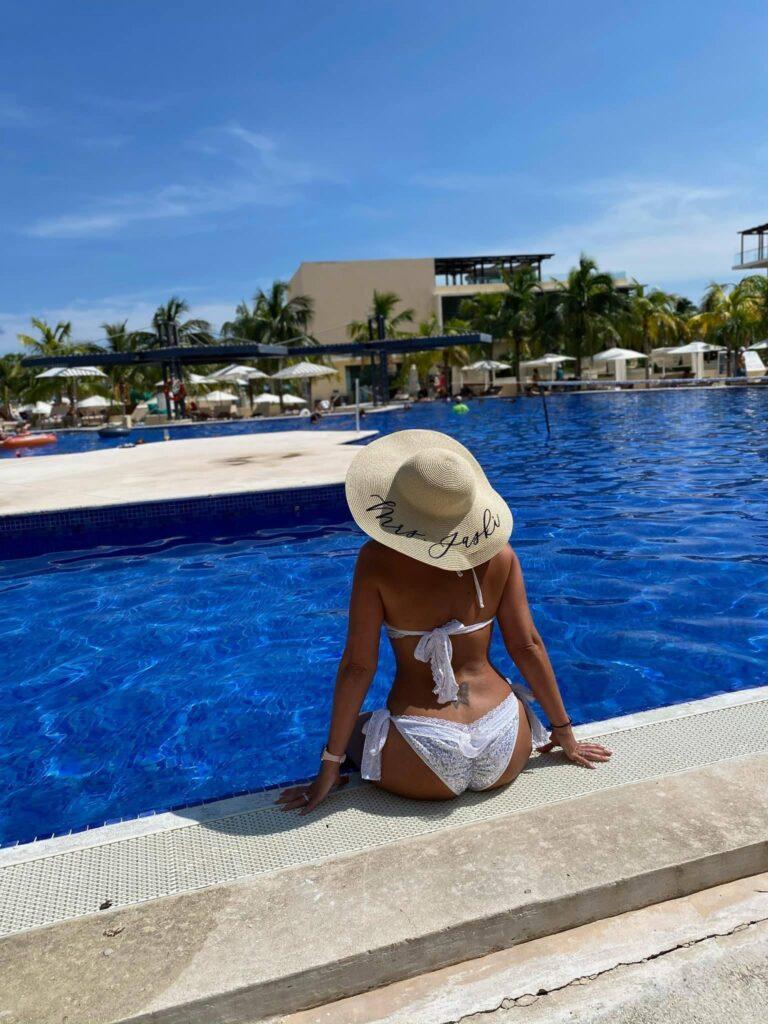 Royalton-Riviera-Cancun-Destination-Wedding-Karen-Michael-006